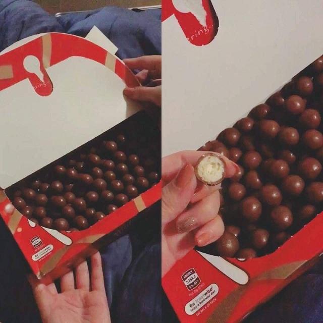 Socola Maltesers 360g - hộp bánh viên socola làm quà tặng 2