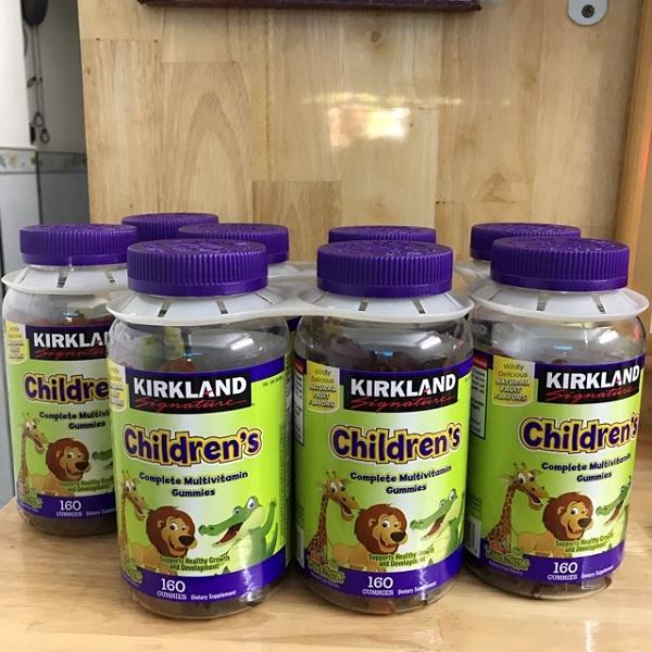Kẹo dẻo cho bé Kirkland Children's Complete Gummies vị trái cây 1